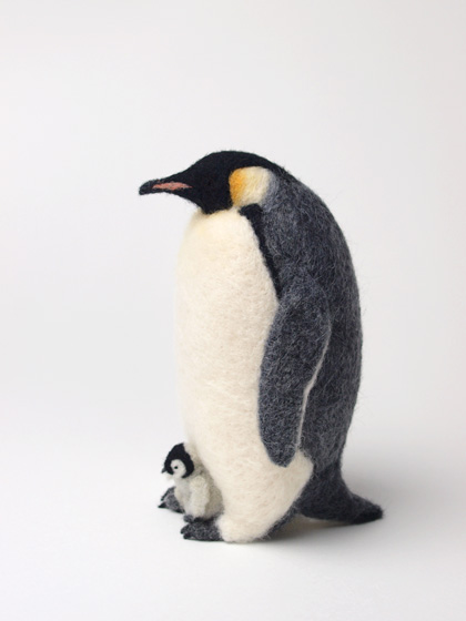 Miki Ichiyama gives us creature felt in the form of a needle felted Emperor Penguin