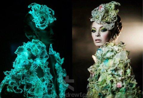 Karen Casper - Miss Coral 3D embroidered fashion