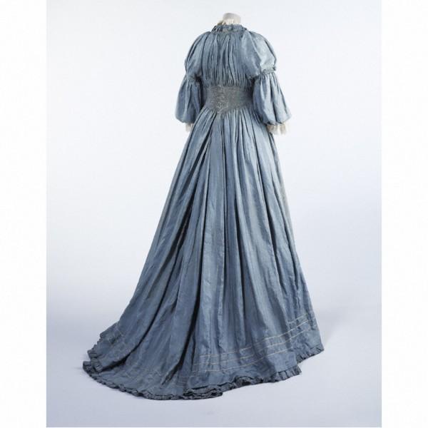 Liberty dress, c1895. © V&A