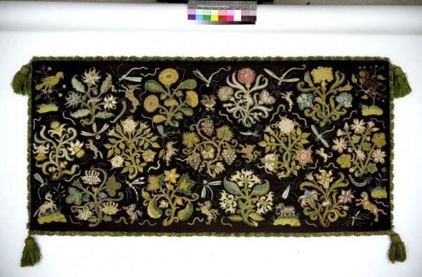 Long cushion cover, c1600. © V&A