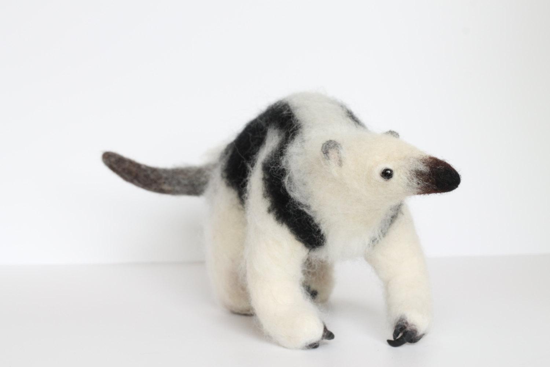 Yvonnes Workshop, needle felted anteater