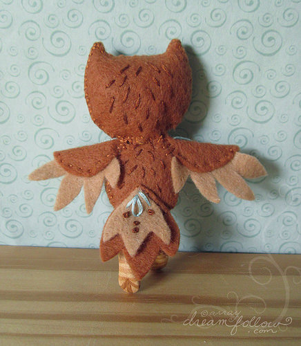Owlet Child from behind. Wonderful details and layers.