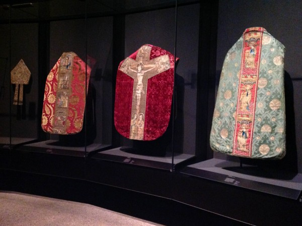 V&A Medieval Textiles (Ruth Singer) (3 of 10)
