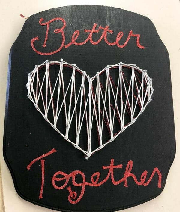 The more threads the merrier in your string art project. Can you spot the different threads in this heart? Yes, different threads are better together (more visually interesting, more color, more texture, more dimension).