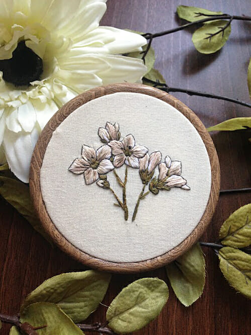 Pengelly Crafts - White Floral Hoop