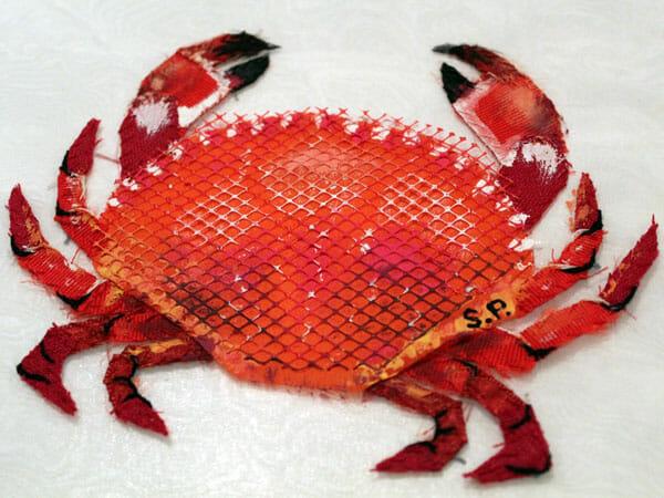 Crab embroidery, by Silvia Perramon Rubio