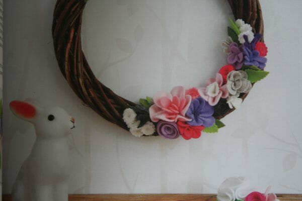 The finshed project, using felt flowers.