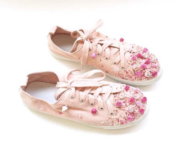 Flower-embroidered sneakers 1, Shlomit Tawfik
