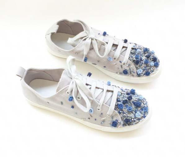 Flower-embroidered sneakers 2, Shlomit Tawfik
