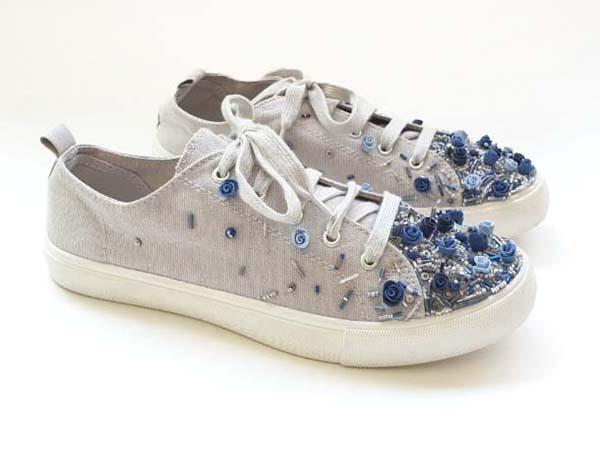 Flower-embroidered sneakers 3, Shlomit Tawfik