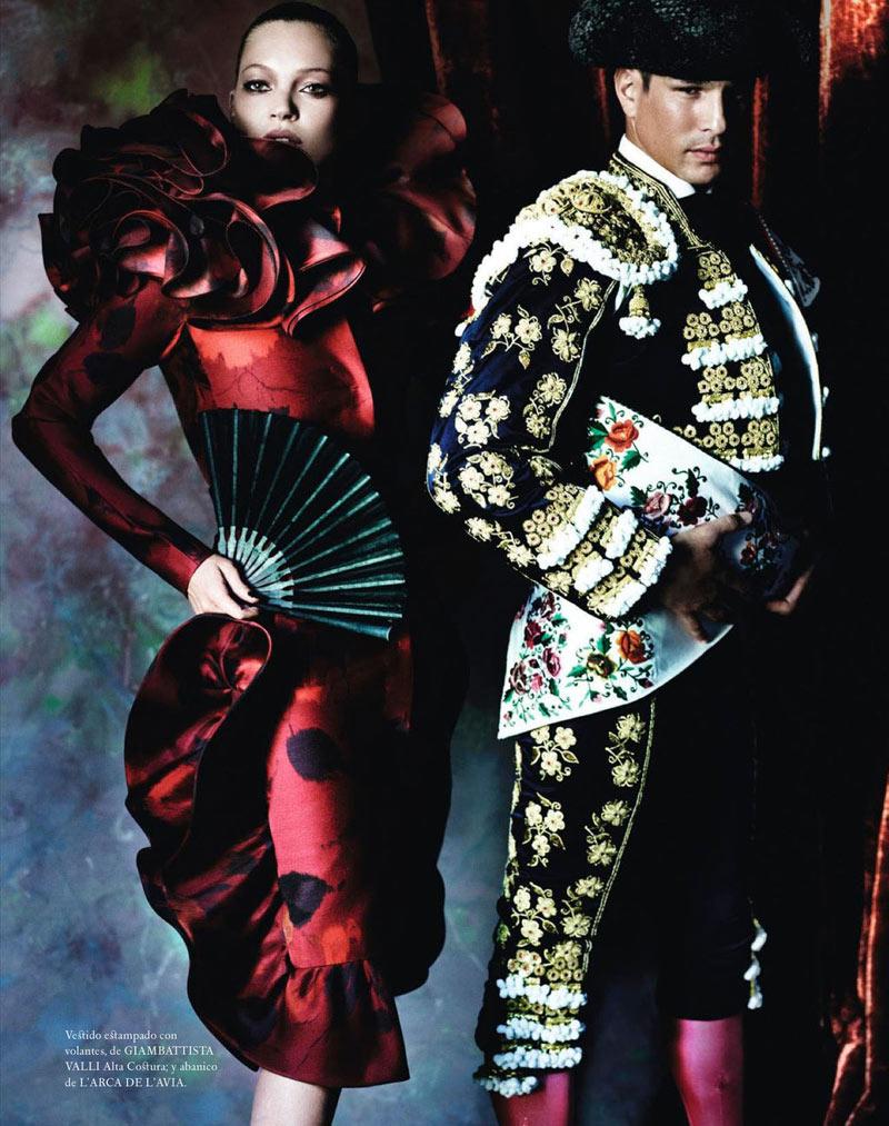 Kate Moss & Matador Jose Mari Manzanares by Mario Testino for Spanish Vogue