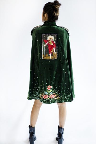 Embroidered velvet cape,  by Joanna Galica-Dorula. Photo by Jutta Klee.