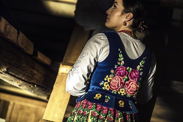 Traditional Polish wedding dress, by Joanna Galica-Dorula