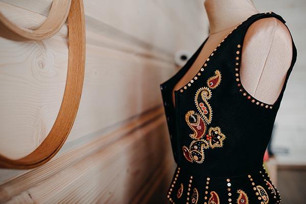 Embroidered corset by Joanna Galica-Dorula
