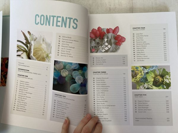 Contents List for Dimensional Cloth: Sculpture by Contemporary Textile Artists